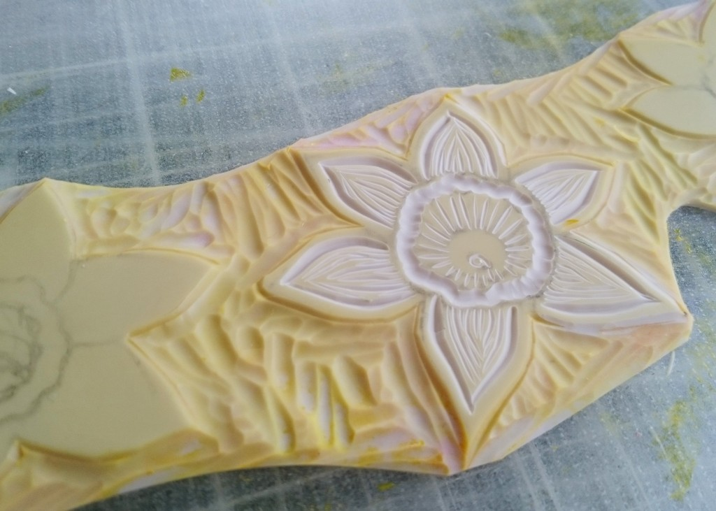 Daffodil lino cut